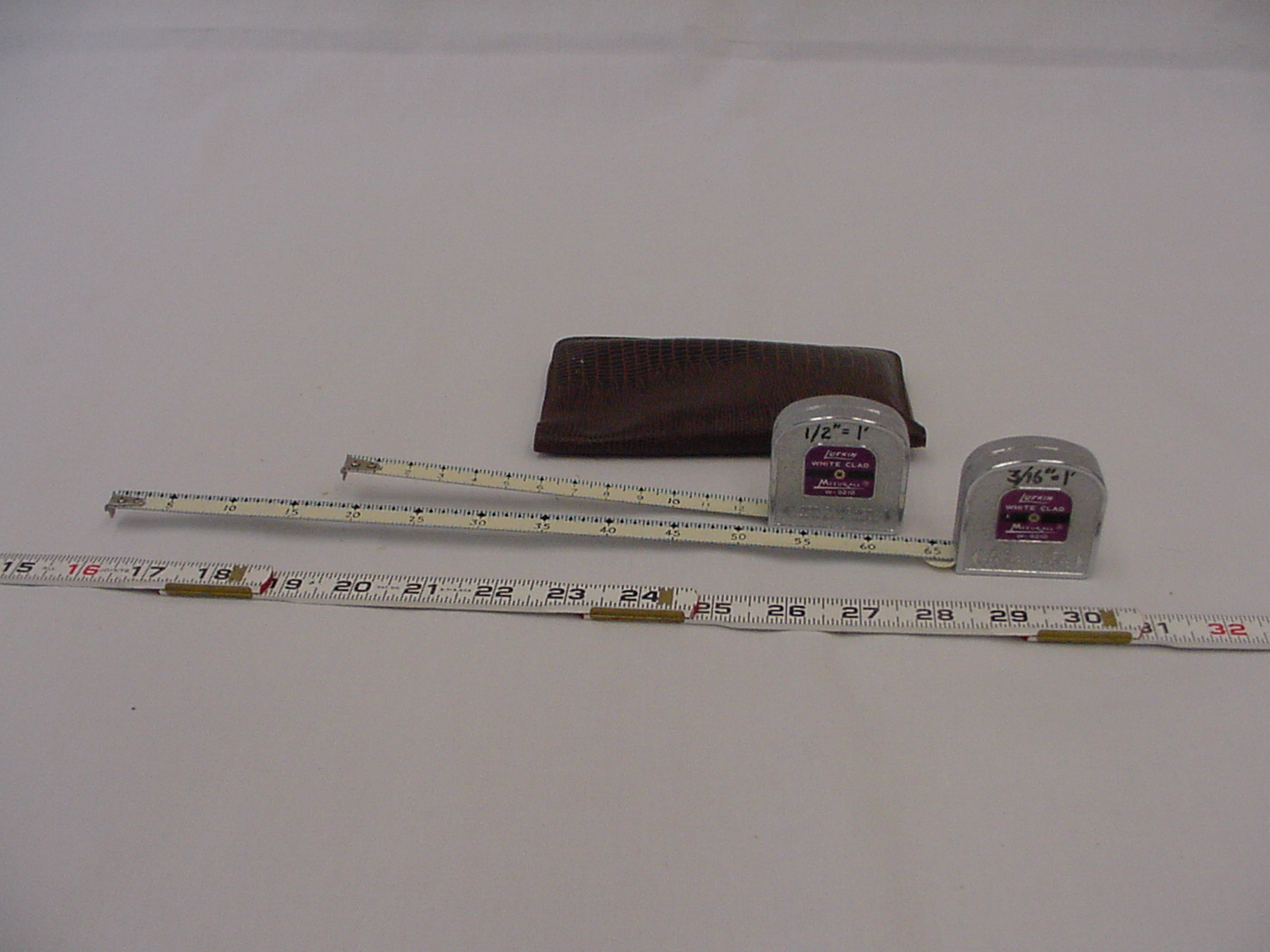 measuring tape and leather case 1.jpg