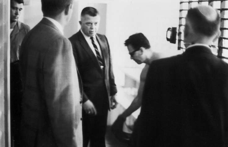 13James Earl Ray being searched 03.jpg