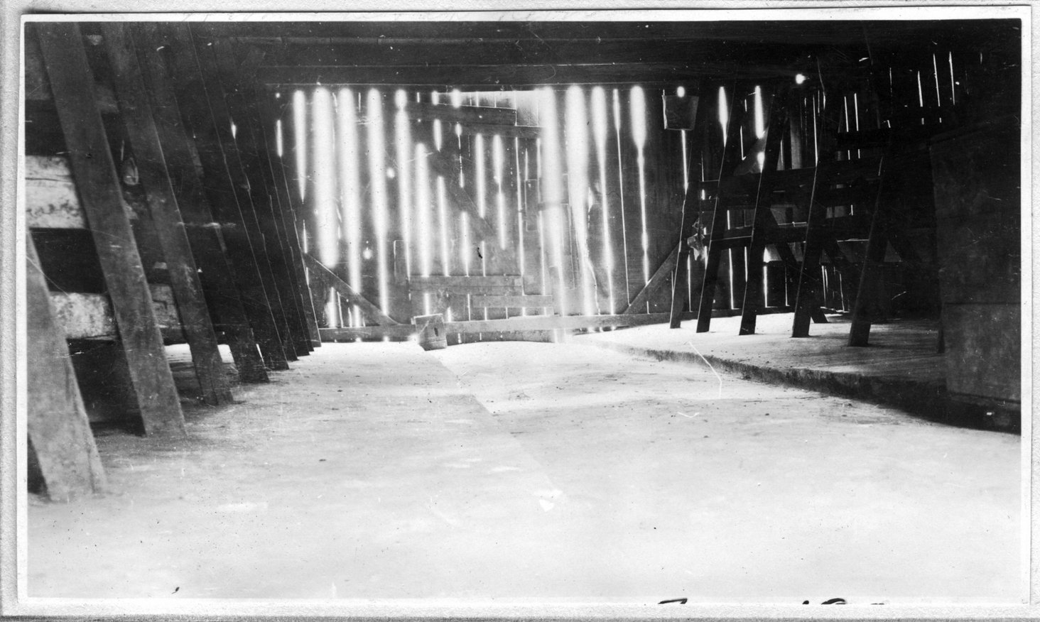 004~J. M. Stephens Interior of Barn Aug 1920.jpg