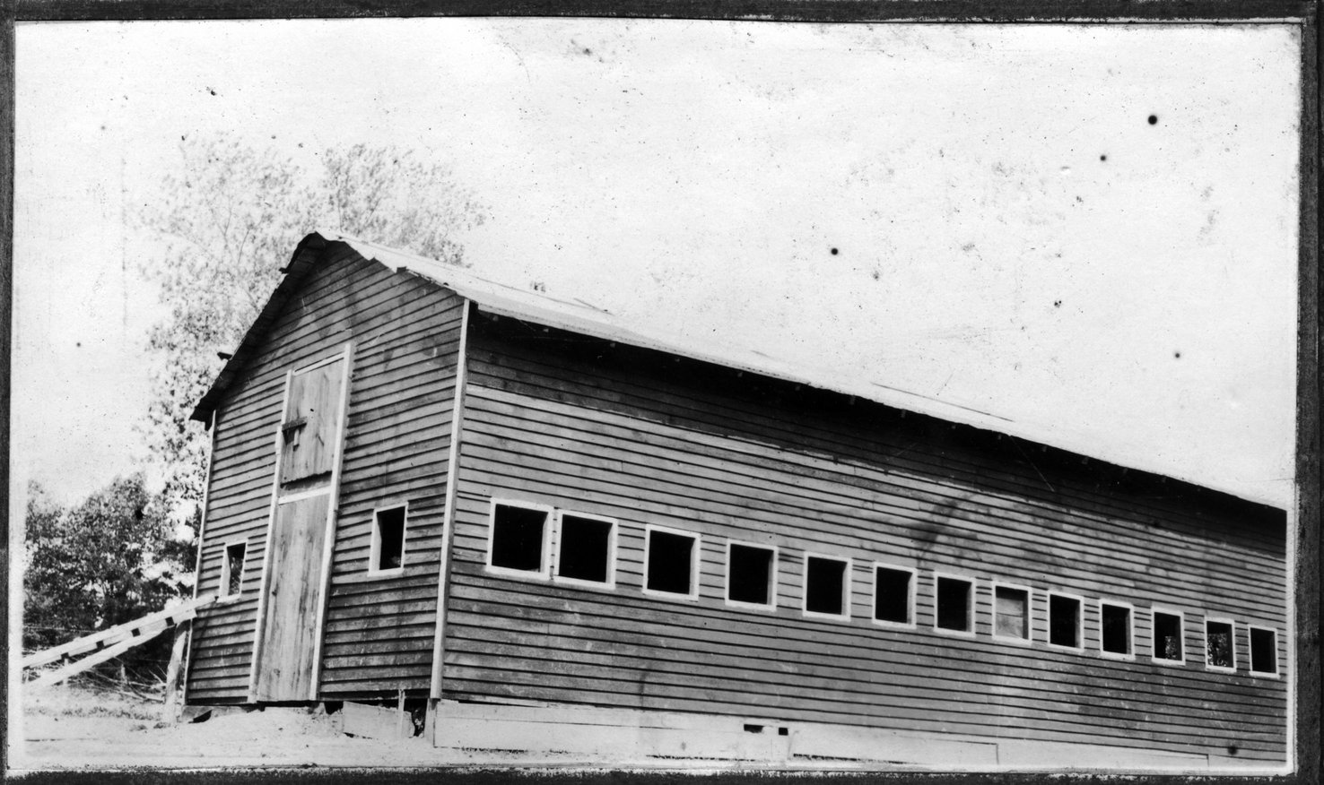 024~J. J. Wilson New Barn Apr 1921.jpg