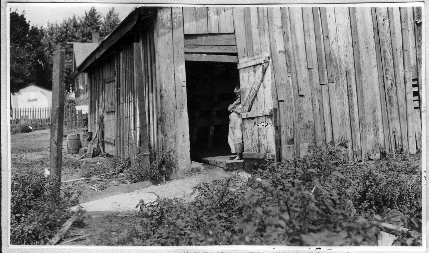 027~T. W. Belote Old Barn Aug 1920.jpg