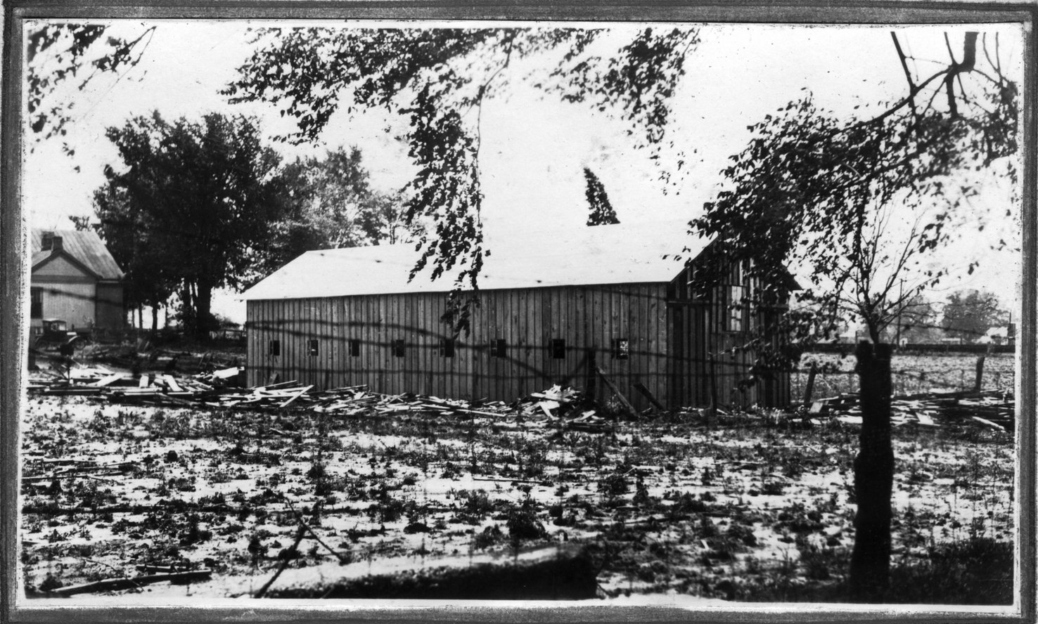 089~W. A. Russom New Barn Apr 1921.jpg