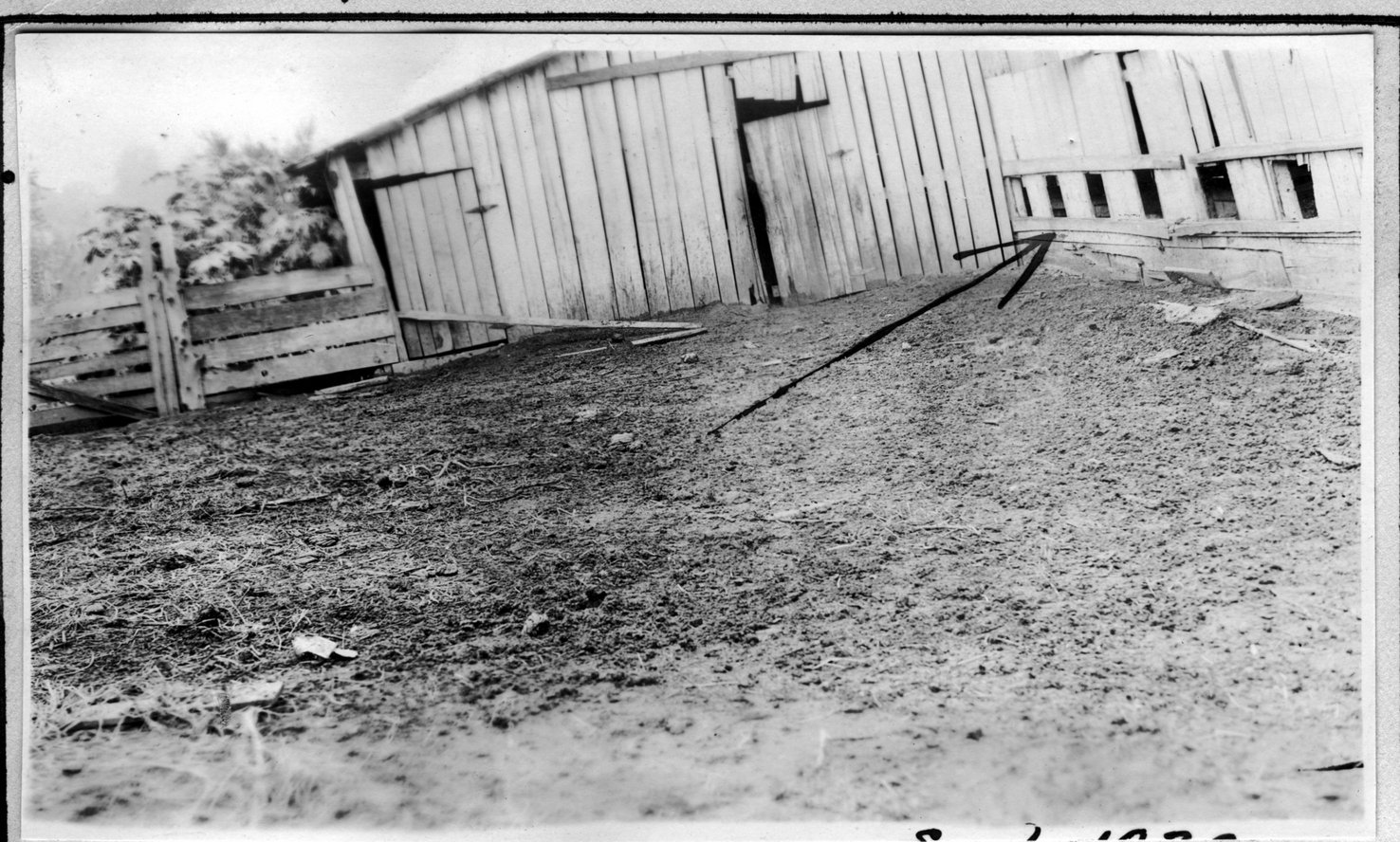 117~A. M. Yeary Milk Barn Aug 1920.jpg