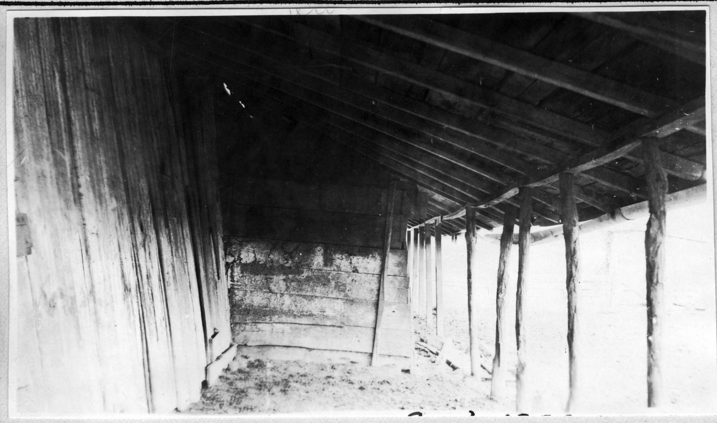 119~A. M. Yeary Barn Shed Aug 1920.jpg