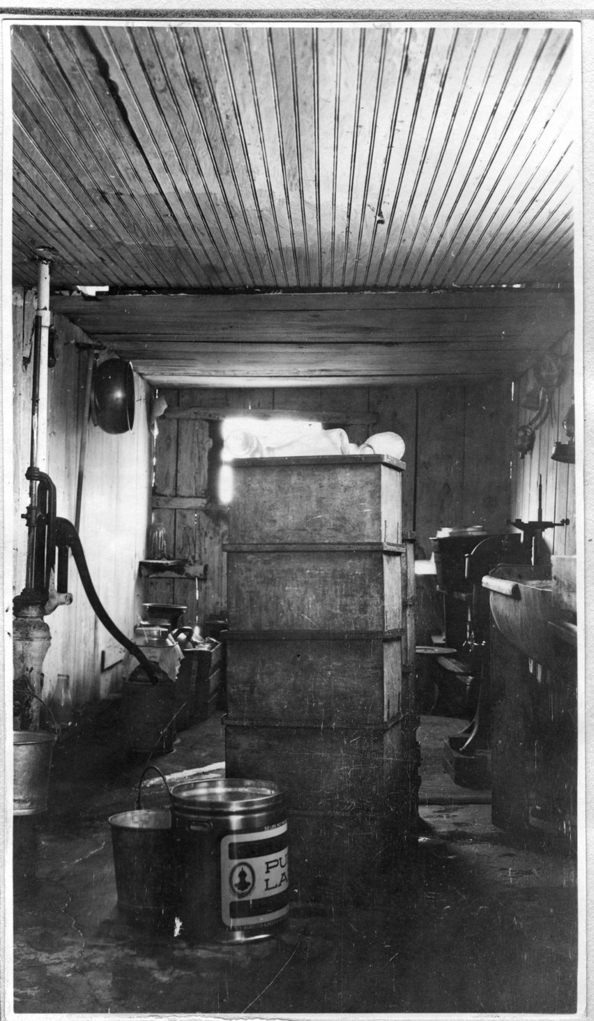 172~W. E. Norwood Milkhouse Interior Aug 1920.jpg