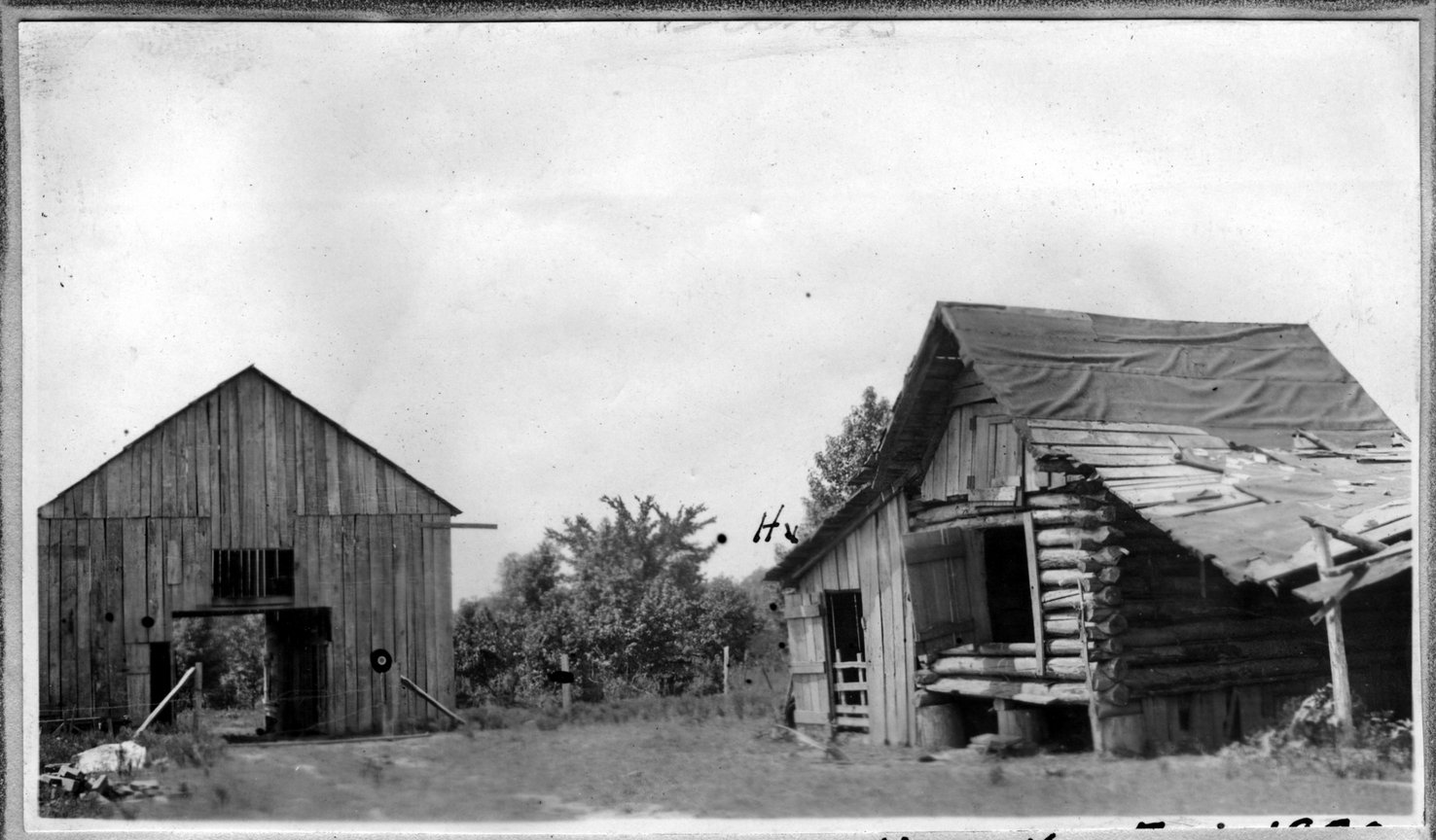 181~M. F. Bickers Hog House.jpg